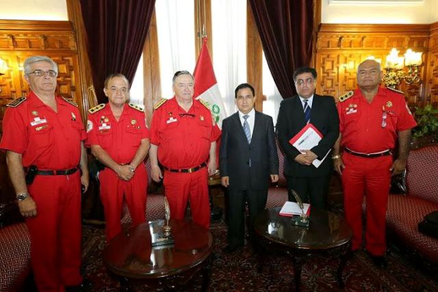 Bomberos peruanos Congreso del Perú
