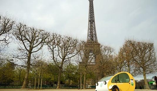 Mö, primer vehículo solar del mundo circulando en París