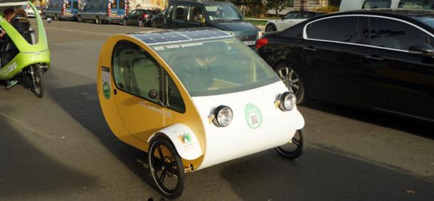 Mö primer vehículo solar del mundo curvo con placas flexibles