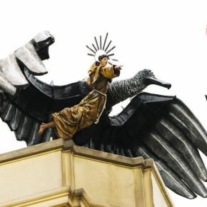 El gallinazo y su potente vuelo contra la corrupción acompañado por San Francisco deLima