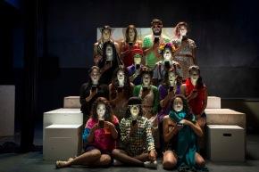 """""""Dios es un DJ"""": Una feroz crítica a la realidadvirtual"""