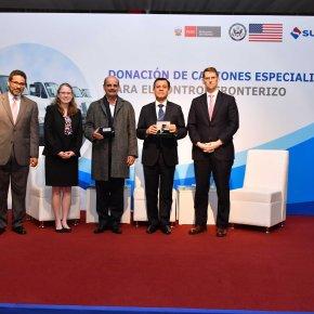 Gobierno de los EE.UU. dona a Perú modernos camiones especializados para combatir elnarcotráfico