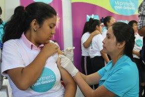 Casi 300 mil escolares peruanos serán inmunizadas contra el virus del PapilomaHumano