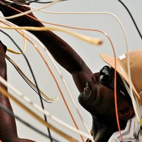A pesar del progreso, se estima que 650 millones de personas no tendrán acceso a la electricidad para el2030