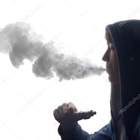 Alerta con los cigarros electrónicos: elaboración y vehículo de bacterias yhongos