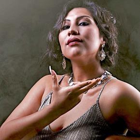 ¿A quién espera la reina del bolero?: El unipersonal inspirado en la vida de la cantante cubana OlgaGuillot