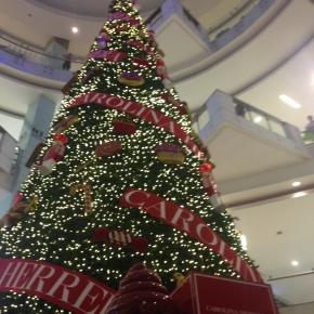 Encendido del árbol navideño Carolina Herrera por la alegría de vivir y ladulzura