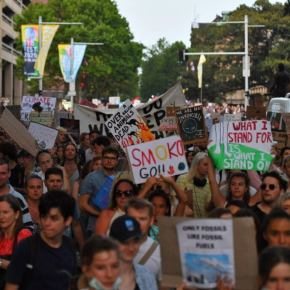 Febrero y marzo en Australia: Peligra proliferación de incendios por temperaturas más altas agravadas por el cambio climático.Que las protestas ciudadanas no sean envano