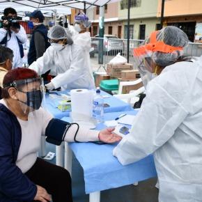 Campaña de salud gratuita en el Parque de la Exposición por el Aniversario deLima