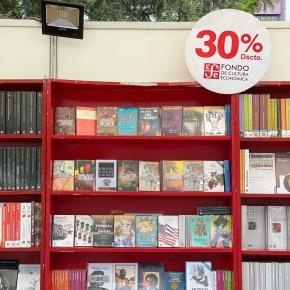 Feria Itinerante del Libro 2021 en Cercado de Lima organizada por el FCE, la Embajada de México y la Municipalidad deLima