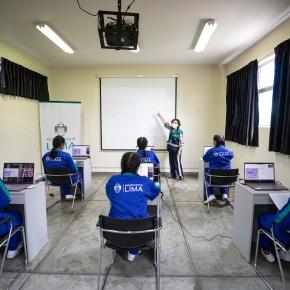Agencia de Cooperación Internacional de Israel – MASHAV donó a Fundación Lima 10 laptops y proyector para capacitación digital de albergue municipal de menores Virgen del Carmen, en San Juan deMiraflores