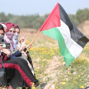 EE.UU. restablece la asistencia a Palestina, ayuda que sirve a importantes intereses y valores propios y de sus aliados, atención a necesitados y estabilidad entre israelíes y palestinos según indica elpaís