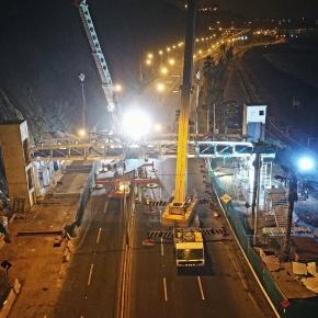 Empresa Municipal Administradora de Peajes de Lima realiza obras de montaje de puentes peatonales con ascensores en Costa Verde sección Miraflores yBarranco