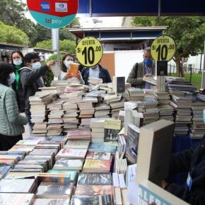 Último día de libros desde 10 soles y promociones de hasta 20 soles por un pack de tres libros en la edición 42 Feria del Libro RicardoPalma